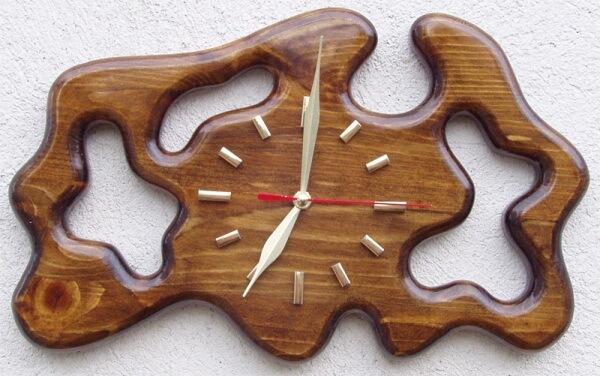Дървени стенни часовници